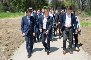 Akim of Almaty City B. Baibek and Sponsor B. Utemuratov Were Acquainted with Reconstruction Progress of Main Botanic Garden