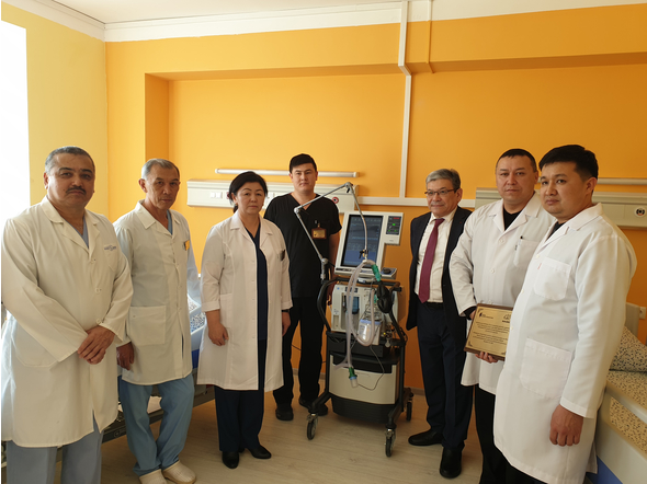 BULAT UTEMURATOV'S FOUNDATION PRESENTED ARTIFICIAL LUNG VENTILATION APPARATUS TO THE HOSPITAL IN SHELEK